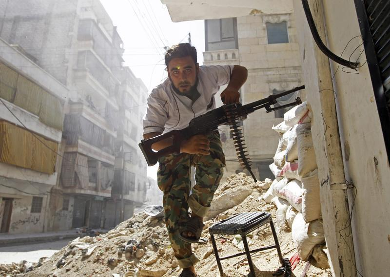 Un rebelle syrien à Alep