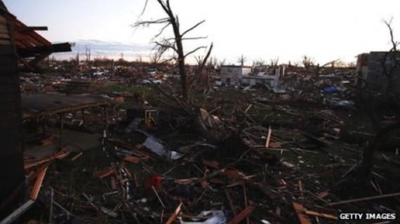 Une scène de dévastation à l'Illinois