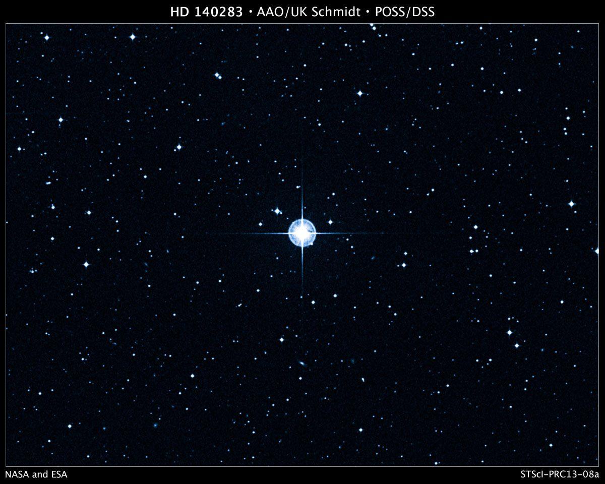 En principe l'étoile est née quelque 200 millions d'années seulement après le Big Bang
