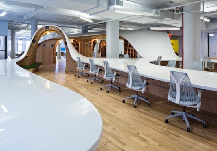 Une agence de pub new-yorkaise débourse 300.000$ pour une table de 335 mètres