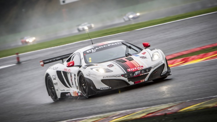 McLaren MP4 12C - 24 Heures de Spa en direct live streaming