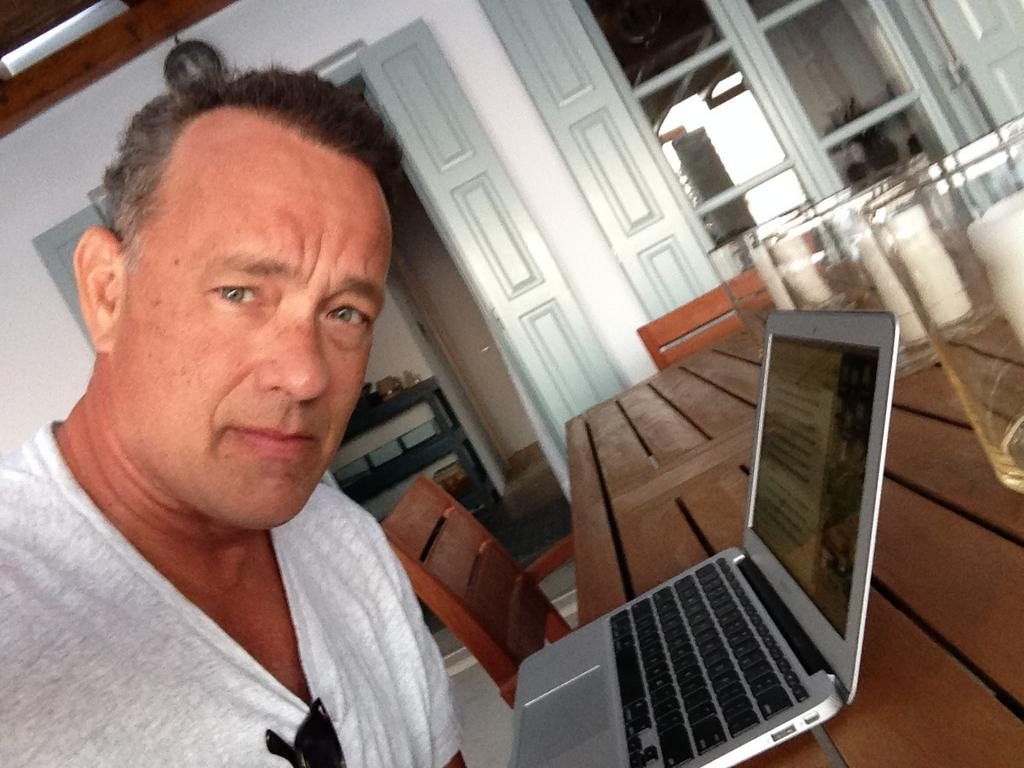 Tom Hanks - Hanx Writer
