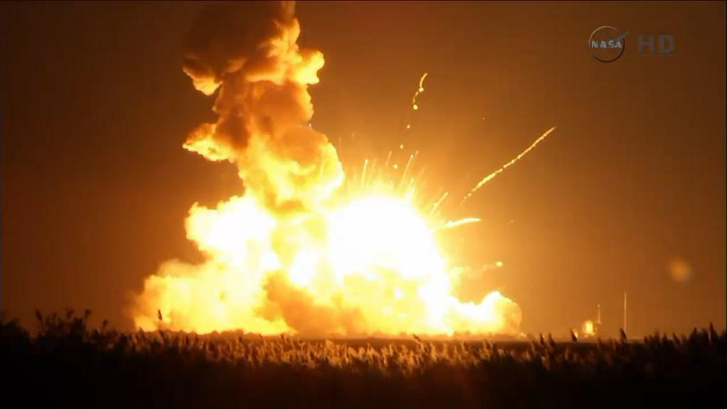 Explosion d'une fusée américaine après 6 secondes de son décollage