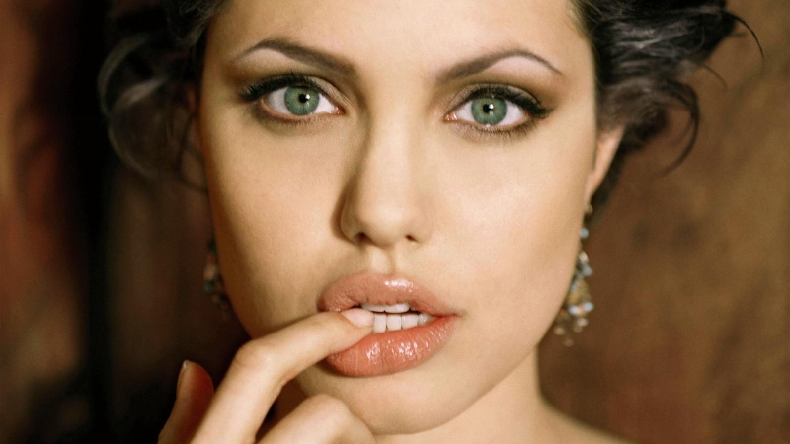Angelina clouée au lit à cause de la varicelle