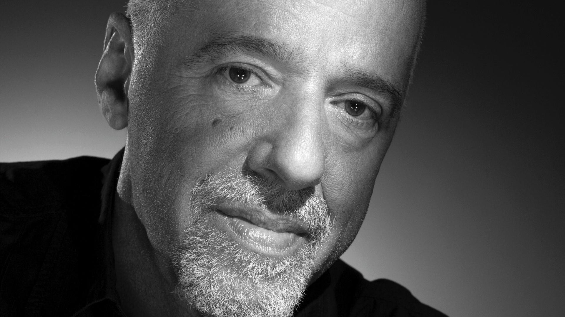 L'écrivain Paulo Coelho propose 100 000 dollars pour acheter les droits de «The Interview»