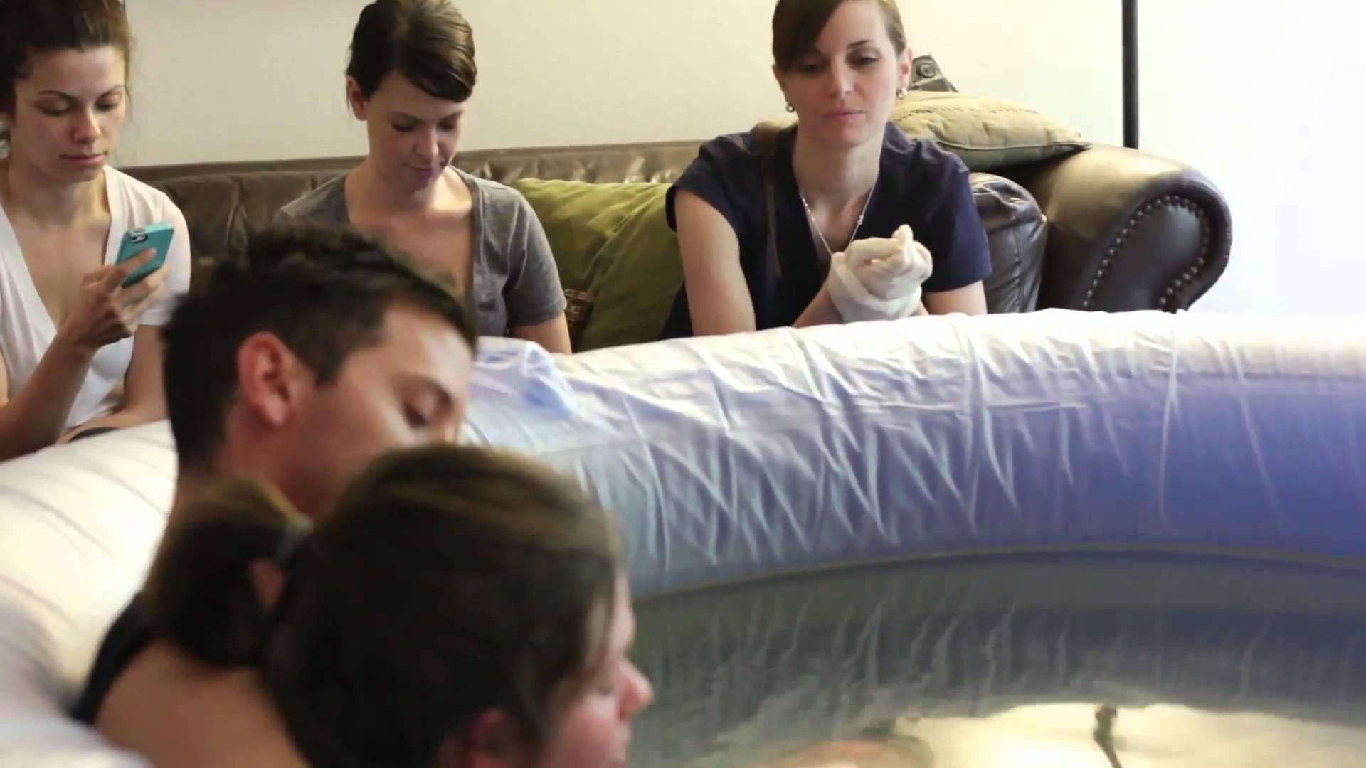 L'accouchement à domicile n'est pas recommandé pour les femmes à risques