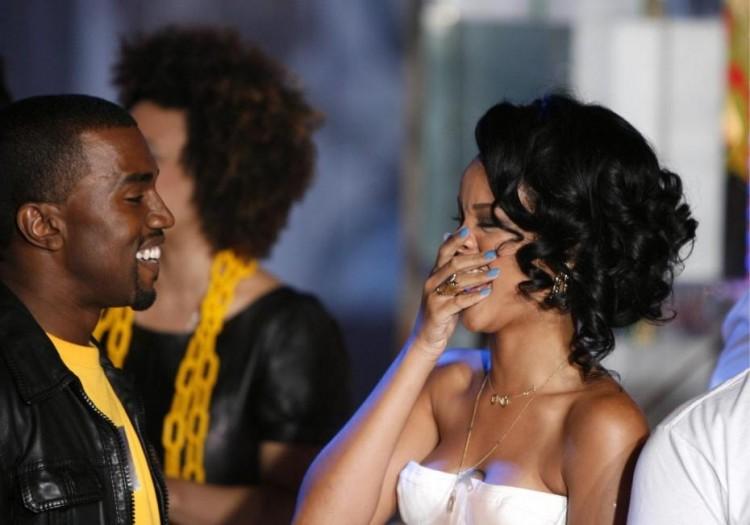 Rihanna fait équipe avec Kanye West