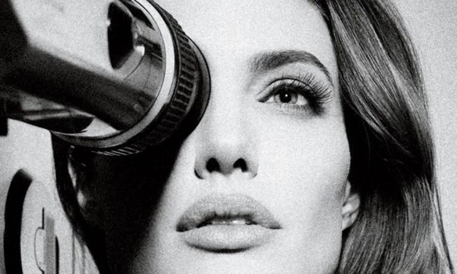 Angelina Jolie réalisera-t-elle le film de super-héros?