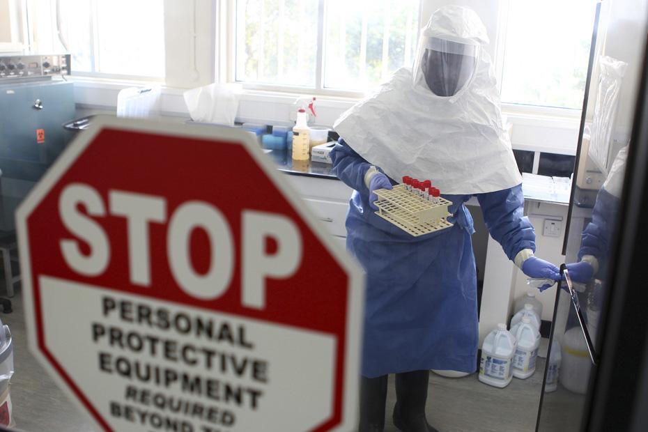 Ebola-la-levée-du-couvre-feu-au-Liberia.