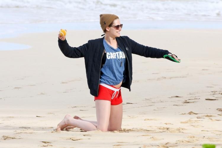 Kristen porte toujours les vêtements de Robert Pattinson