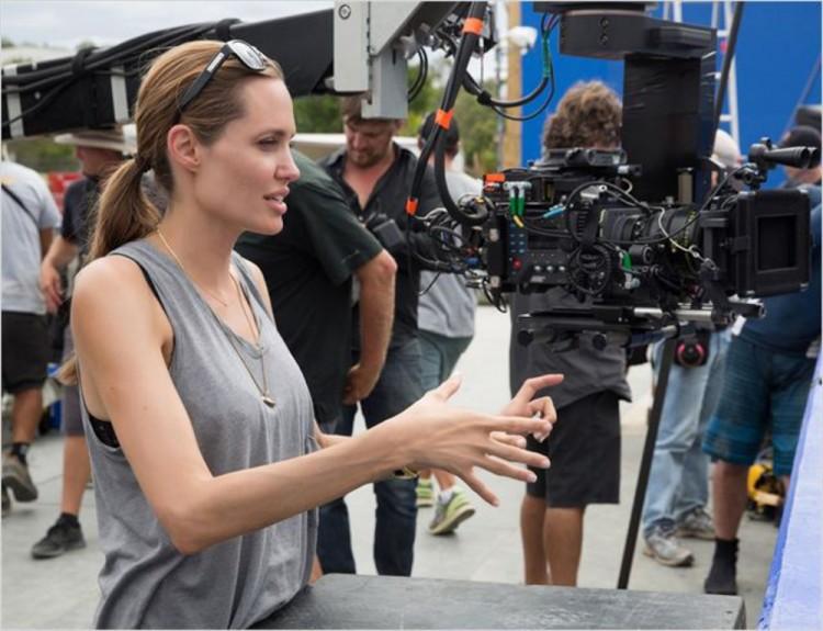 La réalisatrice Angelina Jolie