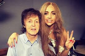 Paul McCartney rejoint Lady Gaga dans le studio