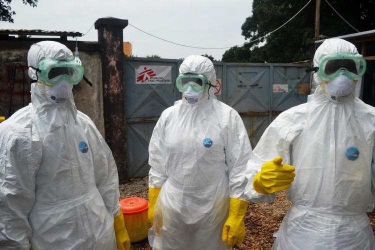 Un traitement contre le virus Ebola expérimenté dans un essai clinique en Guinée