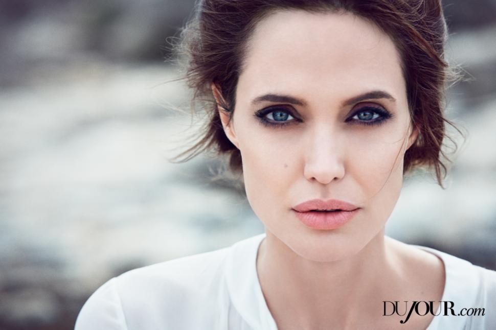 Angelina s'est fait retirer les ovaires