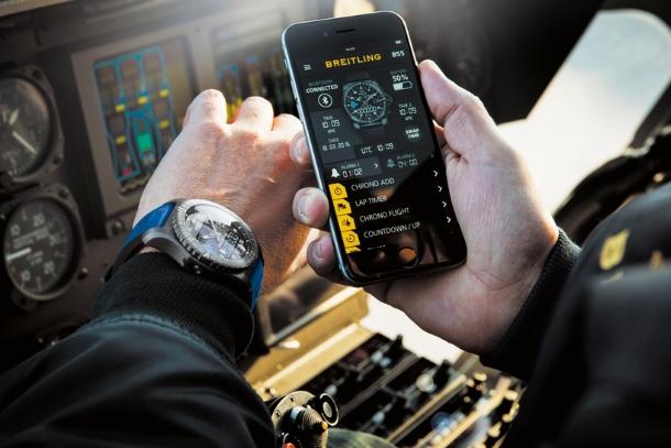 Breitling passe à la montre connectée