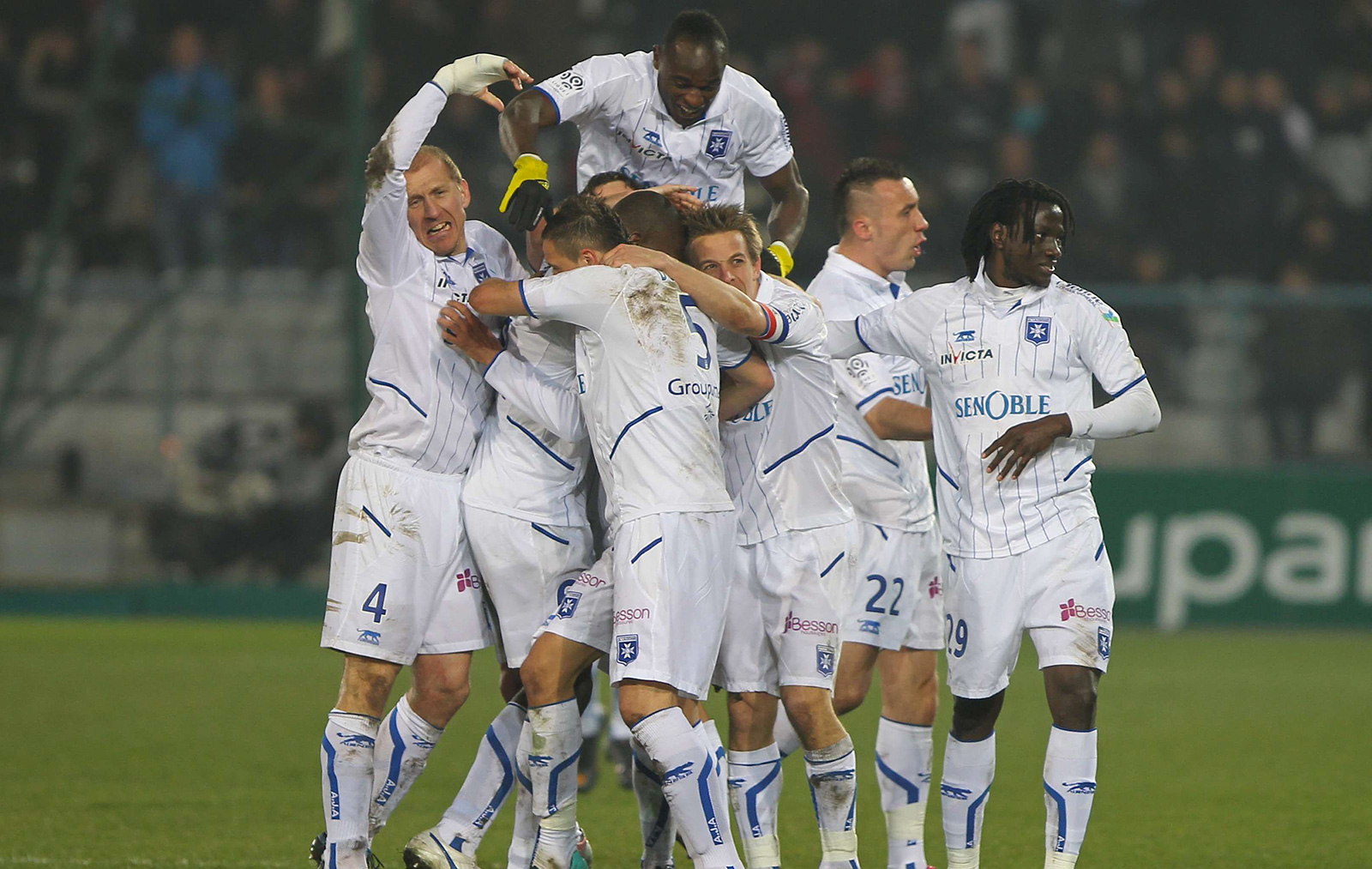 Match Arles Avignon - AJ Auxerre en direct live streaming