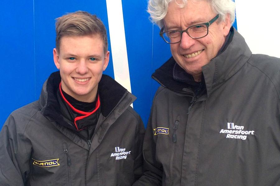 Mick Schumacher fait ses premiers essais F4