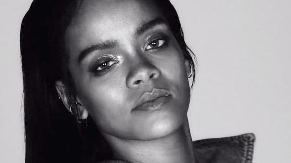 Rihanna fait une autre surprise à ses fans