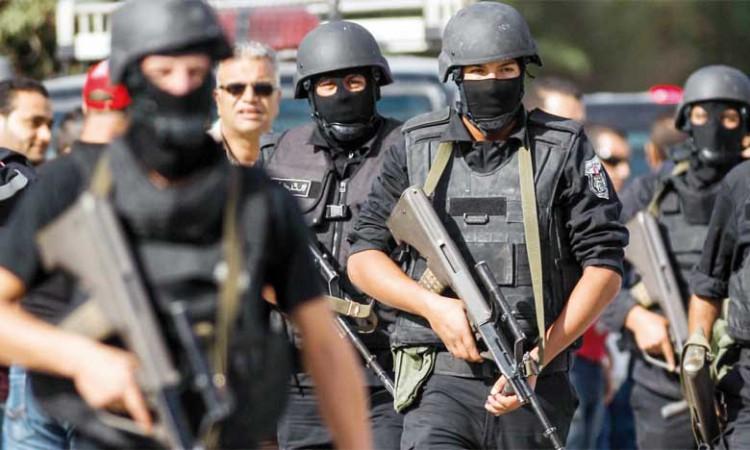 Tunisie: Attentat meurtrier, état d'urgence et couvre-feu