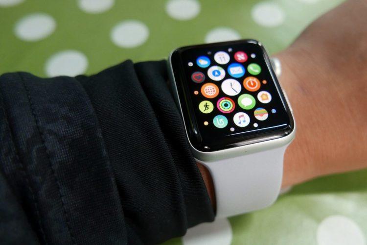 Regarder son Apple Watch au Canada vous coûte une amende!