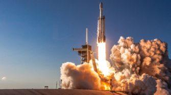 Lancement du premier vol habité de SpaceX